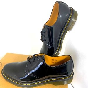 New Iconic Dr Marten Patent Lamper Oxfords